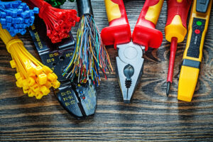 Choosing a professional team for emergency electrical repairs